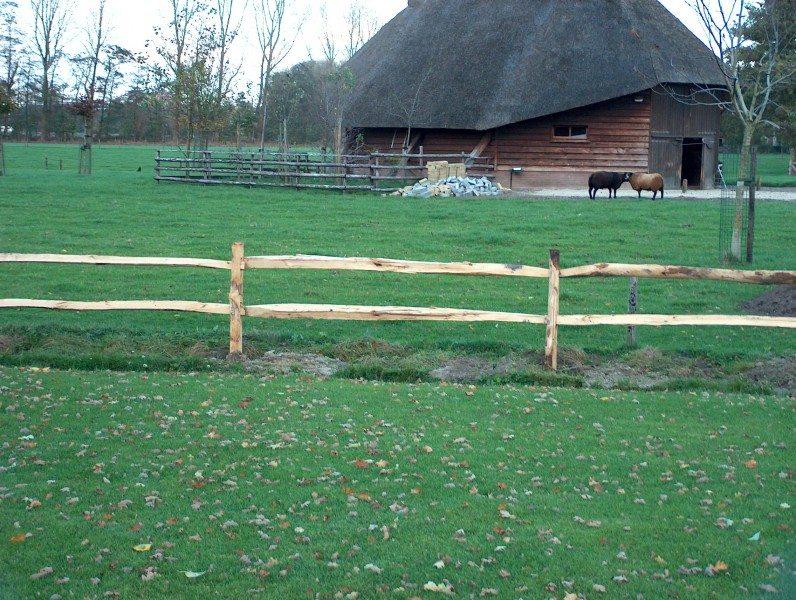 Schuurman omheiningen kastanjehout rail